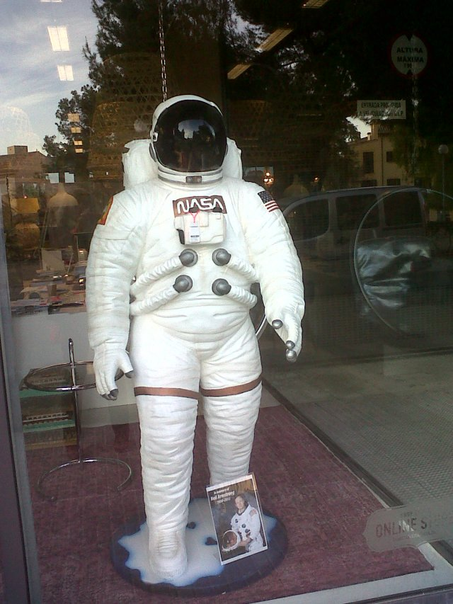 Life size spaceman for Sale, only 650Euros, they say in memory  Neil Armstrong!