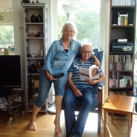 Elizabeth and Ragnar in Sweden and he is evenreading the right book‎!!!