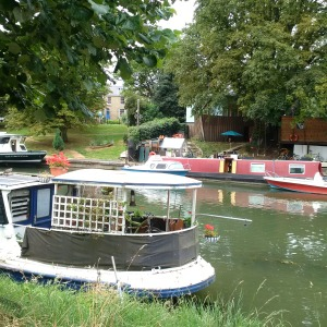 Houseboats on the CAM River!!