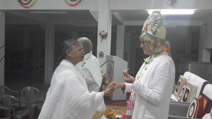 Receiving welcome at PURI Centre from Sister Marjiwa! ( another hat) !